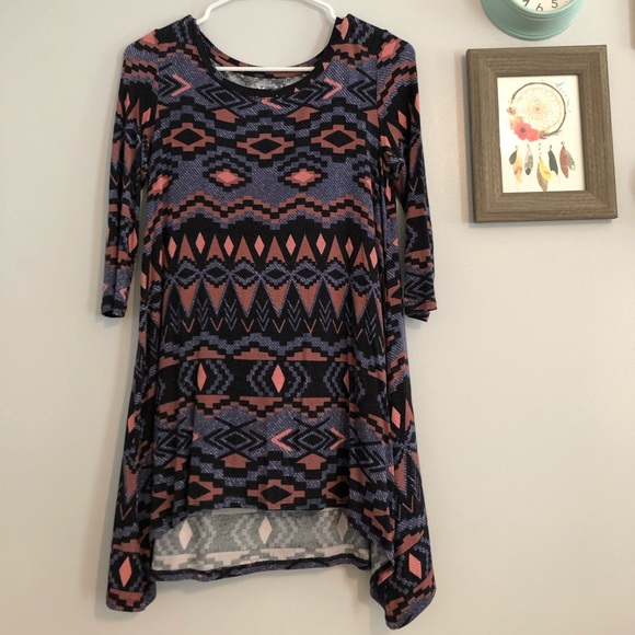 Mudd Tops - Quarter Sleeve Tribal Tunic